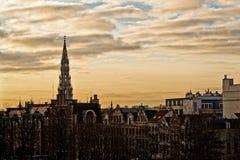 Cityscape av Bryssel i en härlig vinterdag på solnedgången Arkivbilder