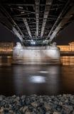 Cityscape av Budapest, Ungern på natten och dagen Fotografering för Bildbyråer