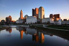 Cityscape av Columbus Ohio på gryning Arkivbilder