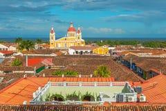 Cityscape av den Granada staden på solnedgången, Nicaragua royaltyfri fotografi