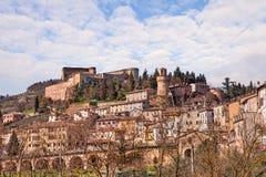 Cityscape av den lilla staden Castrocaro Terme, Italien Arkivbild