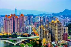 Cityscape av det nya Taipei Xindian området Royaltyfri Foto