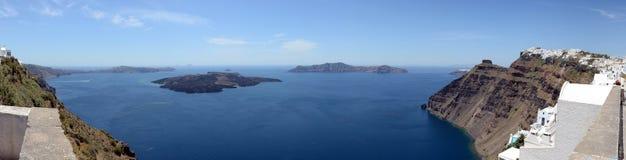 Cityscape av Fira, stad på nollan för Santorini ö Grekland och Caldera royaltyfri bild
