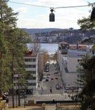 Cityscape av Jyvaskyla, Finland uppifrån av den Harju kullen royaltyfri fotografi