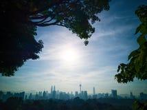 Cityscape av Kuala Lumpur under soluppgång arkivbilder