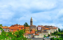 Cityscape av lilla staden Labin, Kroatien royaltyfri fotografi