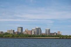 Cityscape av Milwaukee, Wisconsin Arkivfoton