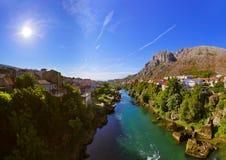 Cityscape av Mostar - Bosnien och Hercegovina Royaltyfri Fotografi