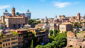 Cityscape av Rome i Italien, sikt på Roman Forum Royaltyfri Bild