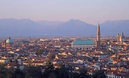 Cityscape av Vicenza, nordliga Italien Royaltyfria Bilder