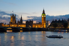 Cityscape of Big Ben and Westminster Bridge with river Thames. L. Westminster Bridge and the Houses of Parliament at dusk. Thames. London. England. UK Stock Photo