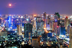 Cityscape bij nacht stock foto's