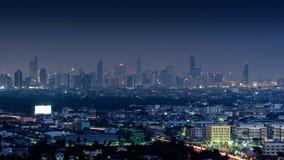 Cityscape bij Nacht in Bangkok, Thailand stock foto