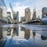 Cityscape in de haven van Rotterdam stock foto's