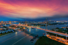 Cityscape - den moderna bron i THAILAND Det har kallat arkivbilder