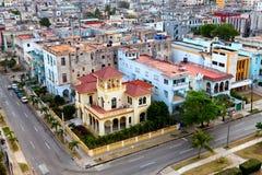 Cityscape in een zonnige dag. Cuba. Oud Havana. Hoogste mening. stock afbeeldingen