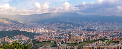 Cityscape en panoramamening van Medellin, Colombia Medellin is de second-largest stad in Colombia stock afbeelding