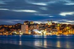 Cityscape för St John ` s på aftonen, Newfoundland, Kanada Royaltyfri Bild