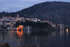 cityscape greece kastoria στοκ εικόνα