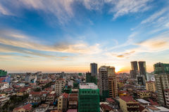 Cityscape i den Phnom Penh staden Royaltyfri Fotografi