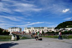 Cityscape i Salzburg, Österrike Arkivbild