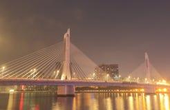 Cityscape Kina för natt för Donghu broflod Arkivfoto