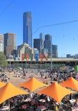 Cityscape Melbourne Australien för station för Flindersgatadrev Fotografering för Bildbyråer