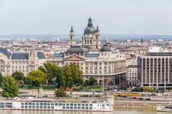 Cityscape mening bij de Rivier van Donau royalty-vrije stock fotografie