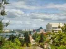 Cityscape met een riviermening, Royalty-vrije Stock Afbeeldingen