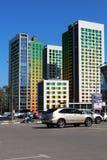 Cityscape met hoge huizen Stock Foto's
