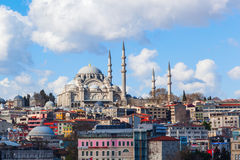 Cityscape met mening over de Sueleymaniye-Moskee in Istanboel, Turkije Stock Fotografie