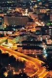 Cityscape natt beskådar Arkivfoto