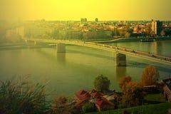 Cityscape in Novi Sad, Servië, in zonsonderganglicht 2 Stock Afbeeldingen