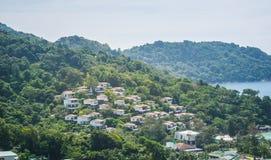 Cityscape op de bergen Stock Foto