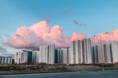Cityscape op de zonsondergang Royalty-vrije Stock Foto