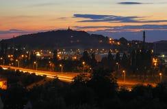 Cityscape på sen skymning Fotografering för Bildbyråer