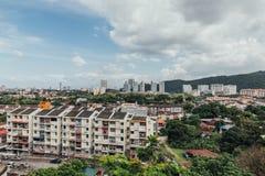 Cityscape som beskådas från Keken Lok Si Temple, är en buddistisk tempel i Penang och är en av de bästa bekanta templen på ön arkivfoto