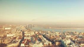 cityscape tiro 4k aéreo da peça da central de Kiev vídeos de arquivo