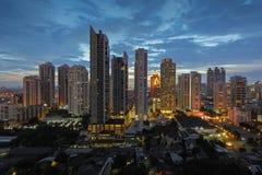 Cityscape van Bangkok bij schemering Stock Foto's
