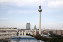 Cityscape van Berlijn met Fernsehturm-Televisietoren in Alexand Stock Foto's