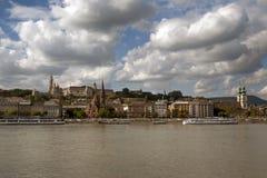 Cityscape van Boedapest met de rivier van Donau Stock Fotografie