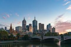 Cityscape van de binnenstad van Melbourne in de ochtend Stock Afbeeldingen