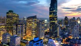 Cityscape van de stad Thailand van Bangkok bij nacht stock afbeeldingen