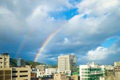 Cityscape van de stad van Taipeh met de regenboog Royalty-vrije Stock Afbeeldingen