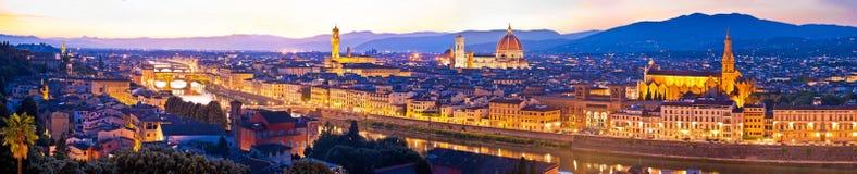 Cityscape van Florence panoramische avondmening stock afbeelding