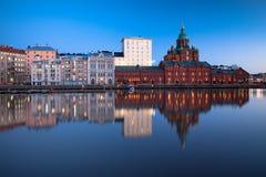 Cityscape van Helsinki bij Schemer Stock Afbeelding