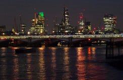 Cityscape van Londen bij nacht royalty-vrije stock fotografie