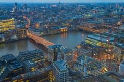 Cityscape van Londen bij schemer Royalty-vrije Stock Foto