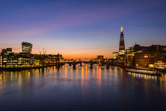 Cityscape van Londen tijdens zonsopgang royalty-vrije stock foto's