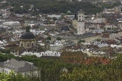 Cityscape van Lviv de stad in, Mening van Zamkova Hora Stock Afbeeldingen